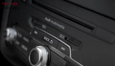 Audi_A1_Doppel_SD_Card_slot