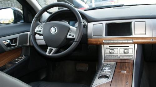 Jaguar XF innen