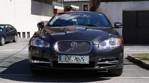 Jaguar XF 2010 Front
