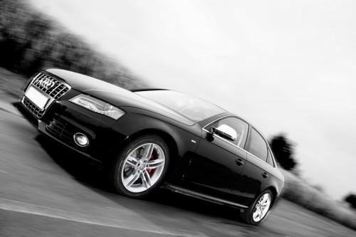 Audi_A4_B8_S4-Umbau-schwarz-weiß