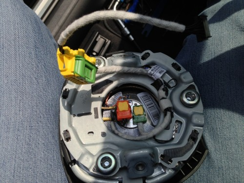 Audi_A4_B8_neues_Airbag_Kabel_MuFu