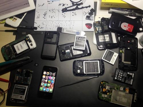 Smartphone_working_desk