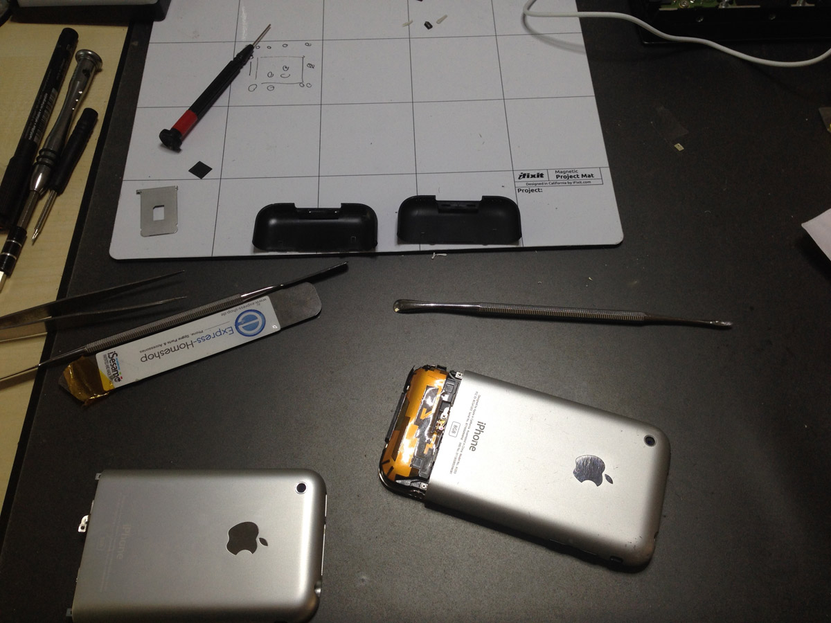 Reparatur Log – KW 44 2014 iPhone 4S Touch und Kamera, iPhone 2G Restauration