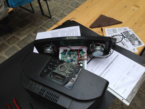 Grazer_Umweltzirkus_2015_Radio_Reparatur